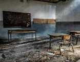 GFG Abandoned Creepy Class Room Escape